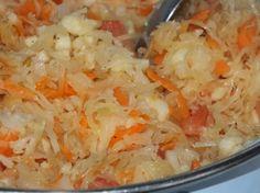 Surówka z kiszonej kapusty i pomidora