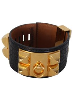 Details:   Model: Collier de Chien CDC Bracelet  Origin: France  Size: Small Year: Square P  Color: Black  Hardware: Gold Palladium  Material: Alligator   Condition:   Excellent pre-owned, light scratches on the hardware