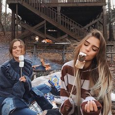 58 Trendy photography ideas for friends bestfriends bff Bff Pics, Photos Bff, Cute Friend Pictures, Friend Pics, Fall Photos, Cute Friends, Best Friends, Friends Shirts, Fall Friends