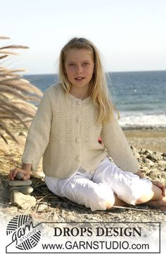 "Drops Jacket in""Alpaca"" with ¾-length sleeves, wave pattern and crochet buttons ~ DROPS Design"