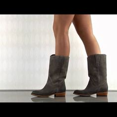 Tube U Lar - Taupe Leather Bronx The Tube U Lar by Bronx features a rich taupe leather upper with pull tabs and clean lines. A 1 inch block heel completes this classic boot. Shoe Details: Leather Upper Man Made Sole Made In Portugal This Shoe Fits True To Size. Bronx Shoes Ankle Boots & Booties