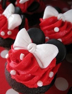 Minnie Mouse Cupcakes. I Adore Minnie Mouse To Pieces!!