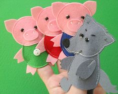 "The Three Little Pigs Felt Finger Puppet Toys Pattern - with all the houses! ""Make your felt fairy tale easy and fun. Felt Puppets, Felt Finger Puppets, Puppet Toys, Hand Puppets, Puppet Patterns, Felt Patterns, Stuffed Toys Patterns, Fairy Tales For Kids, Felt Stories"
