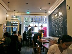 LONDON Honest Burger (Soho, Meard Street) / by everydaylife.style, via Flickr