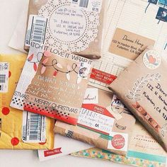 Send snail mail to get your student writing then decorate envelopes Envelope Art, Brown Paper Packages, Pretty Packaging, Gift Packaging, Happy Mail, Mail Art, Paper Goods, Smash Book, Envelopes