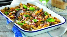 Middagsmaten behöver inte vara komplicerad för att... Penne, Pasta, Kung Pao Chicken, Bacon, Ethnic Recipes, Food, Essen, Meals, Yemek