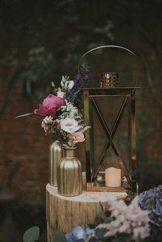 Verträumte Brautkleider-Party im romantischen Garten MARIE MARRY ME http://www.hochzeitswahn.de/inspirationsideen/vertraeumte-brautkleider-party-im-englischen-garten/ #wedding #flowers #decor