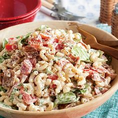 This BLT Macaroni Salad is packed with flavor from fresh basil, garlic, thick-cut bacon, and mayonna Macaroni Salad Recipe Paula Deen, Southern Macaroni Salad, Blt Macaroni Salad, Macaroni And Tomatoes, Blt Pasta Salads, Pasta Salad Recipes, Homemade Tomato Basil Soup, Salad Bar, Pasta Dishes