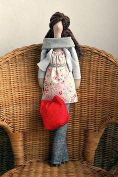 Gracias a emeeme  he descubierto a Agah y sus muñecas .  Son geniales. Llenas de detalles y además personalizables.                      ...