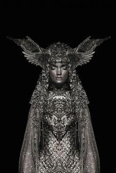 Garjan Atwood is a multidisciplinary digital artist. Among his artworks, the Silver Knight project particularly stands out. Color Photography, Fashion Photography, Fantasy Photography, Digital Photography, Silver Knight, Mystique, Pics Art, Headdress, Costume Design