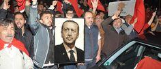 +++ News-Ticker zum Putschversuch +++: Erdogan will Verräter bestrafen - Militär soll Flugzeuge der Putschisten abschießen - 90 Tote, 1563 Festnahmen
