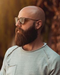 99 Casual Beard Styles Ideas For Men To Try Now – coiffures et barbe hommes Different Beard Styles, Long Beard Styles, Hair And Beard Styles, Bald Men Styles, Bald Men With Beards, Bald With Beard, Long Beards, Beard Styles Pictures, Sexy Bart