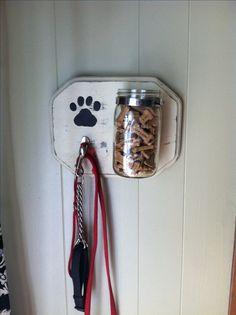 My copycat dog leash and treat holder