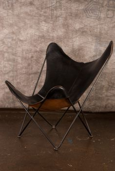 Pair of Knoll Hardoy Butterfly Chairs and Ottoman in Lower West Side, Chicago, IL, USA ~ Krrb