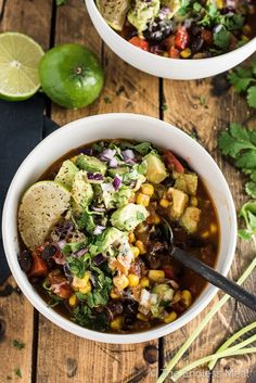 SAVE FOR LATER! This vegetarian (and vegan!) Black Bean and Corn Chili is a healthy and delicious recipe that takes only 30 minutes to make. It's topped with a simple avocado salsa for the ultimate southwest chili recipe. Healthy Chili, Vegan Chili, Vegetarian Chili, Healthy Snacks, Healthy Chicken Recipes, Veggie Recipes, Avocado Recipes, Quick Recipes, Southwest Chili Recipe