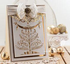 Christmas Card Making Ideas by Becca Feeken using Spellbinders Christmas Tree embossing folder and Heirloom Oval - www.amazingpapergrace.com