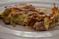 lasagna carciofi funghi e salsiccia