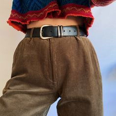 Flattering high waisted fit with tapered legs, and pleats around the waist. Khaki Green, Green And Brown, Baggy Tee, Tailored Trousers, Corduroy Pants, Fashion Outfits, Fashion Ideas, Vintage Outfits, Snow Queen