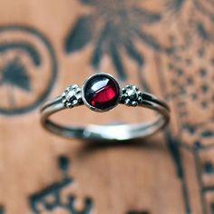 Red garnet ring, Garnet cabochon ring, garnet ring silver, daisy ring, January birthstone ring, boho rings, cabochon ring, size 6
