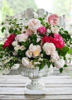 Happy Mother S Day, Happy Mothers, Garden Urns, Garden Roses, Diy Vanity Lights, How To Make Gingerbread, Old Washing Machine, Flower Arrangements, Flower Centerpieces