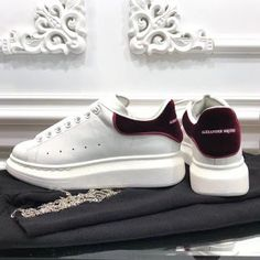 Alexander McQueen white sneakers unisex woman man couple shoes - Adidas White Sneakers - Latest and fashionable shoes - Alexander McQueen white sneakers unisex woman man couple shoes Women's Shoes, Me Too Shoes, Alexander Mcqueen Sneakers Women, Fashion Heels, Womens High Heels, White Sneakers, Casual Shoes, Heels Outfits, Trainers