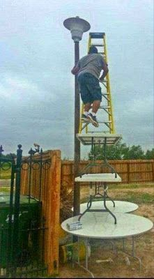 25 Completely Scientific Reasons Why Women Live Longer Than Men Safety Fail, Construction Fails, Work Fails, Doomsday Survival, Darwin Awards, Funny Pictures Can't Stop Laughing, Weird Pictures, Safety Pictures, Safety First
