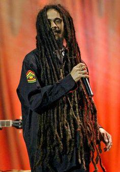 "Képtalálat a következőre: ""damian marley� My Black Is Beautiful, Most Beautiful Man, Beautiful People, Marley Brothers, Rastafarian Culture, Dreadlocks Men, Bob Marley Pictures, Reggae Festival, Dennis Brown"