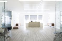 Office Tour: WME Entertainment – London Offices : WME Entertainment Office designed by The Interiors Group Breakout Area, Office Reception, White Office, Home Office Decor, Home Decor, Office Ideas, Design Agency, Bean Bag Chair, Offices