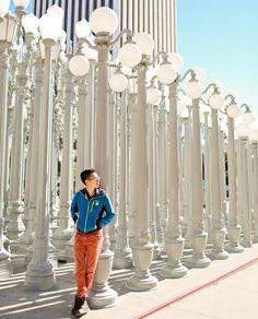 Urban Lights LACMA is an iconic landmark in Los Angeles (25 Most Popular Places for Instagrammers in LA) // #localadventurer #losangeles #discoverla #lalaland #photography #instagram