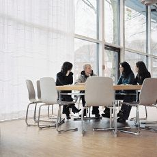 """""""Vom Studium in den Beruf"""" - (für Studierende und Alumni), """"Wiss. Qualifizierungswege"""" - (für Promovierende) sowie """"ProScience"""" - (für Habilitandinnen) sind Angebote des Leuphana Mentorings und bieten Möglichkeiten zur beruflichen Orientierung, Weiterqualifizierung und Vernetzung."""