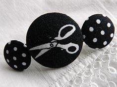 Barrette NOIR BLANC, Création textile. Modèle unique fait main par Mauve & Capucine