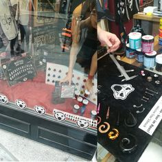Turntable, Monopoly, Music Instruments, Record Player, Musical Instruments