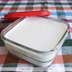 Homemade Plain Yogurt - Give Recipe Make Your Own Yogurt, Making Yogurt, Homemade Yogurt, Homemade Cheese, Healthy Snacks, Healthy Recipes, Healthy Yogurt, Cupcakes, Yogurt Recipes