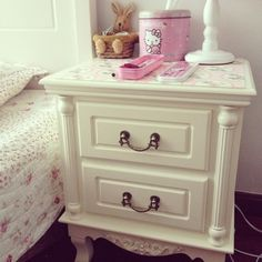 301.00$  Buy here - http://ali8iq.worldwells.pw/go.php?t=32771113732 - Modern and simple European Korean fashion small white wood two small drawers pastoral bedside telephone table 301.00$