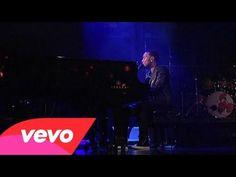 John Legend - All Of Me (Live on Letterman) - YouTube