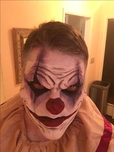 Scary clown make up Holloween in 2019 Halloween clown scary clown makeup tutori Clown Makeup Pretty clown halloween Holloween Makeup Scary tutori Halloween Clown Scary, Creepy Clown Makeup, Gruseliger Clown, Cool Halloween Makeup, Scary Clowns, Evil Clowns, Scary Clown Costume, Scary Clown Face, Scary Circus