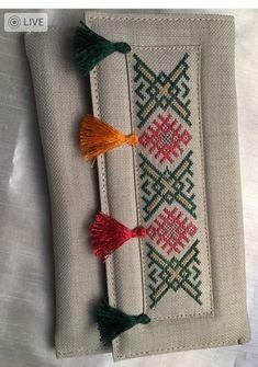 "İsmek atölye çalışması çantam ""This post was discovered by Saf"" Embroidery Bags, Hand Embroidery Stitches, Hand Embroidery Designs, Cross Stitch Embroidery, Embroidery Patterns, Loom Patterns, Knitting Patterns, Cross Stitch Designs, Cross Stitch Patterns"