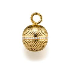 18ct Yellow Gold crownwork ball ( .75inch) pendant with pave diamond center surround (0.65cts)
