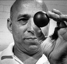 † Hashim Khan (100) 19-08-2014 Squashlegende.