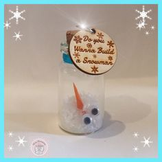 Do you wanna build a snow man?? Mini bottle decoration from Mini Moments by Jamielee© Fb.com/minimomentsbyjamielee
