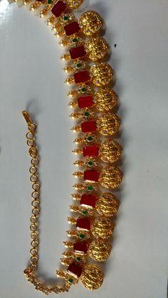 Real Gold Jewelry, Gold Jewellery Design, Simple Jewelry, Indian Wedding Jewelry, Indian Jewelry, Bridal Jewelry, Gold Jhumka Earrings, Jewelry Patterns, Choker