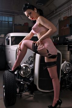 Nude Hot Rod Pinups 44