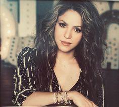 Shak for Pandora 💗 by Shakira, Beautiful Celebrities, Pandora, Hairstyle, Sexy, Latina, Musicians, Instagram, Smile