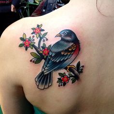 I'm L, and this is the world best quality tattoo source you'll find. Swallow Tattoo, Sick Tattoo, Body Tattoos, Tatoos, Saved Tattoo, Hobbies For Women, Tattoo Feminina, Beautiful Birds, Face And Body