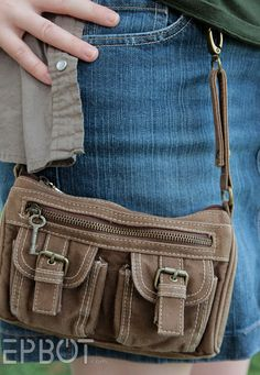 Convert your annoying shoulder-slung purse to a hands and shoulder free hip satchel!  Also good for DIY steampunk.