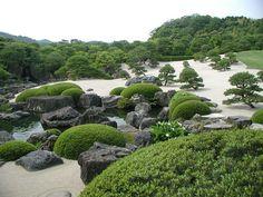 足立美術館の庭園 by nobuflickr, via Flickr