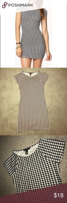 NWOT Forever 21 Houndstooth Bodycon Dress NWOT Forever 21 Houndstooth Bodycon Dress, size small. Never worn. Curve hugging fit, a perfect layering piece for fall. Forever 21 Dresses Mini