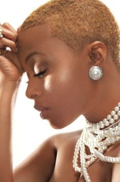 Chrisette Michele - Celebs with Super Natural 'Dos Art Visage, Natural Hair Cuts, Big Chop, My Hairstyle, Natural Styles, Hair Journey, Short Hair Cuts, Hair Hacks, New Hair