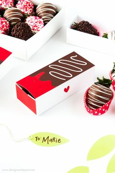 Chocolate Covered Strawberry Valentine's Day Gift Boxes. These are so darn cute.