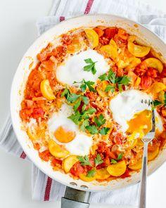 Shakshuka with zucchini and ajvar Hummus, Zucchini, Breakfast, Ethnic Recipes, Food, Morning Coffee, Essen, Meals, Yemek
